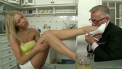 Feet licking and touching natural tits on Teena Lipoldina
