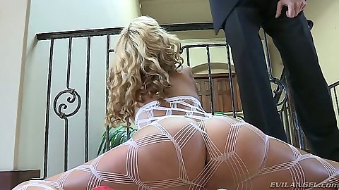 Great fishnet ass Jessie Rogers gets touched and kissed