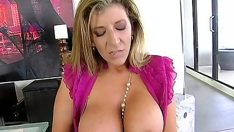 Big tits milf Sara Jay flipping tits out and deep throat blowjob