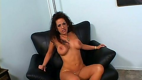 Brunette slut Angelica Lauren sucks off dick