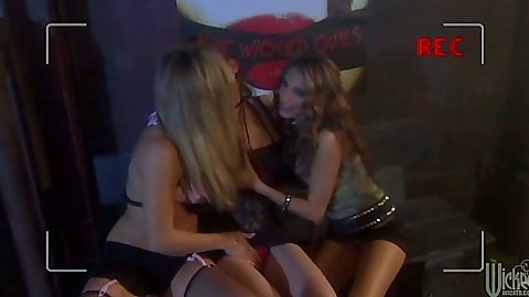 Justine Joli and Jenna Haze with Leah Luv lesbian threesome group sex
