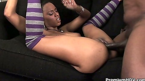 Sexy Porsha Karrera an ebony goddess spreads legs and puts them up