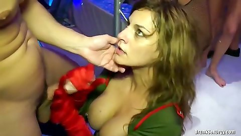 Sweaty natural tits  girl sucking dick with ejaculation on club floor