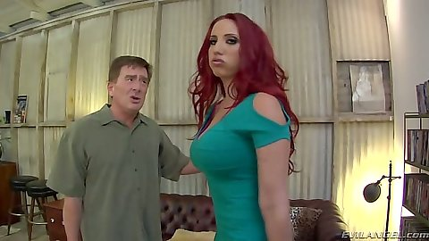 Redhead Kelly Divine  gets a nice ass licking from Kyle Stone