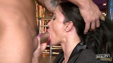 Blowjob from milf Jewels Jade going down like a business whore