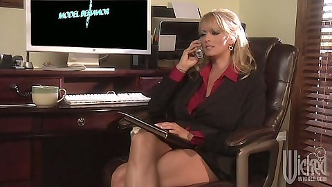 Office slut Charisma Cappelli talking on phone