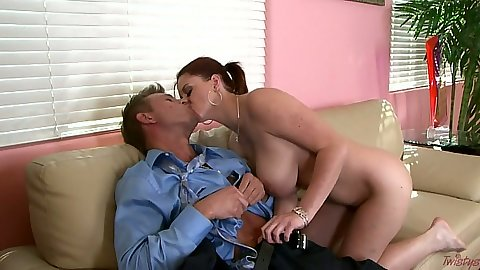 Sara Stone kissing guy and takes out his cock to suck