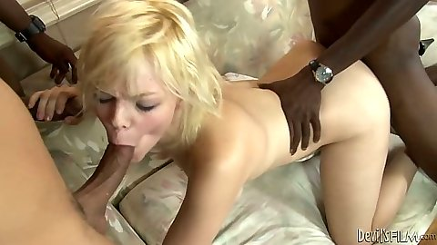 Blowjbo and doggy style in interracial fuck from Alice Frost