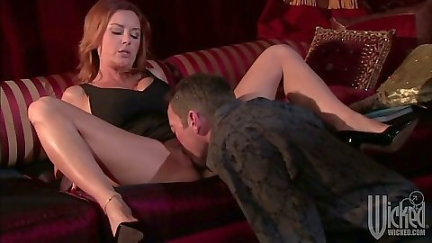 Housewife milf Janet Mason gets pussy licked and sucks it