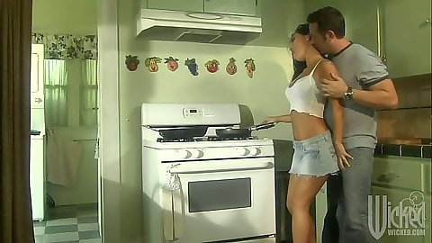 Kitchen asian babe Asa Akira blowjob