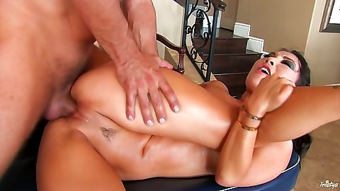 Sideways fucking petite asian Asa Akira after massage in oil