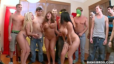 Party up at the dorm with Britney Amber and Diamond Kitty and Ava Devine