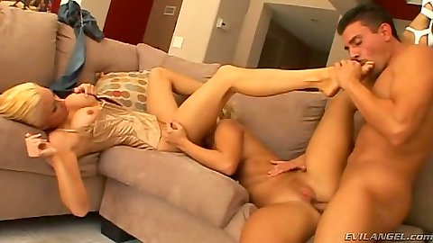 Group natural tits fuck with two lesbians Georgia Peach and swd1