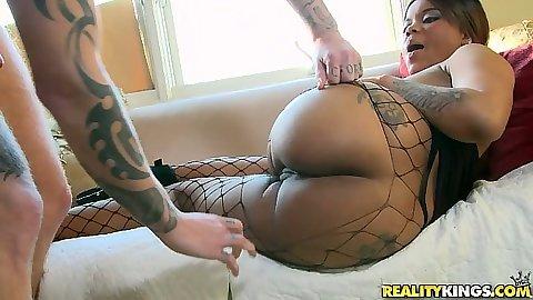 Nice round ass black hottie Madison Banks