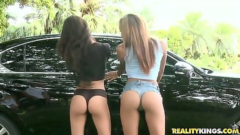 Nice ass Guiliana Alexis and Veronica Rodriguez car wash and ass show