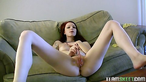 Kajira fucking self on masturbation cam