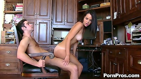 Reverse cowgirl gf sex with Dillion Harper on dick