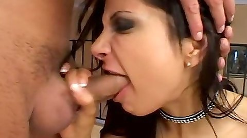 Deep throat blowjob and hardcore fuck with Gia Jordan and Kamila