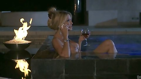 Blonde babe Courtney Taylor taking a bath with some wine then makes out