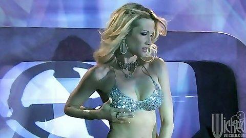 Dancing seducing stripper jessica drake sucks dick