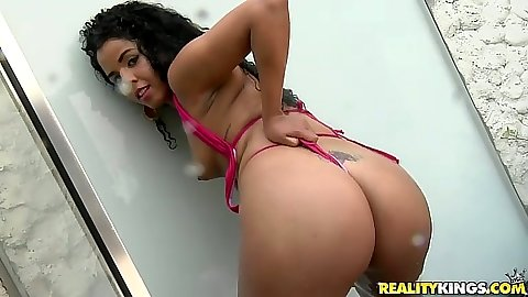 Nice latina Monique Carvalho going inside shower cabin for blowjob