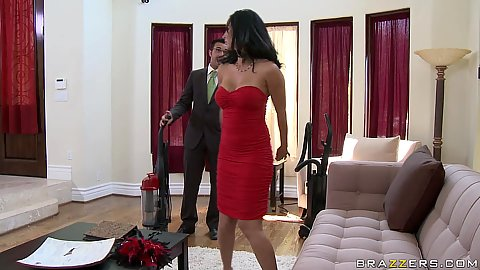Milf gets a salesman come over and show her the vacuum