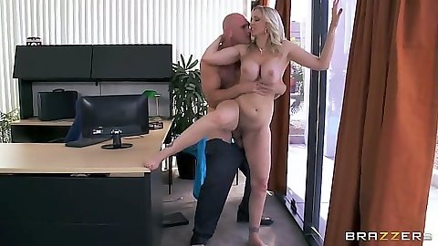 Standing fuck with blonde milf Julia Ann