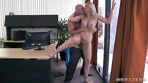 Standing fuck with blonde milf Julia Ann