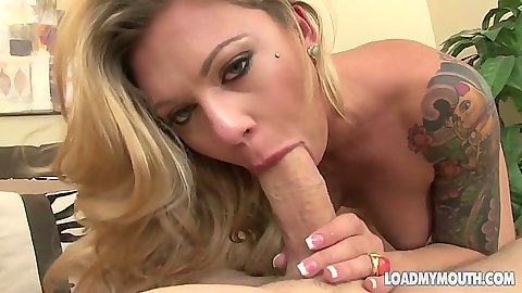 Riley Reece doing a great experienced milf blowjob and suck