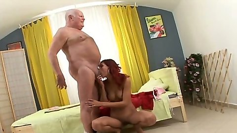 Redhead Sabina F sucking old man Pepa A dick