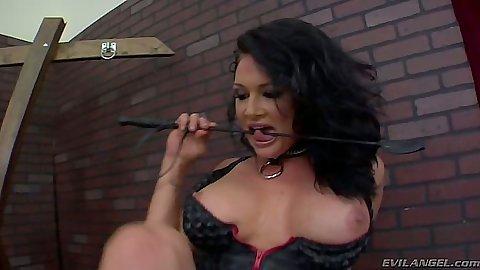 Fetish big tits Tory Lane gets feet licked