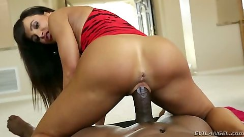 Nice tight ass Lisa Ann on dick in pov reverse cowgirl