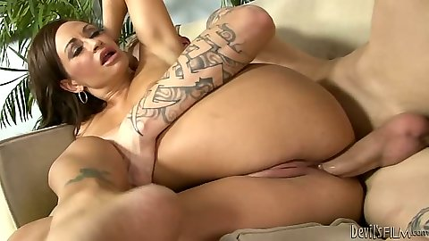 Anal sex with screaming Claudia Valentine and Ashley Stone
