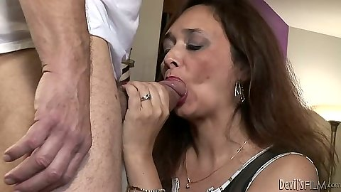 Mature milf Alesia Pleasure blowjob and then her husbands sucks