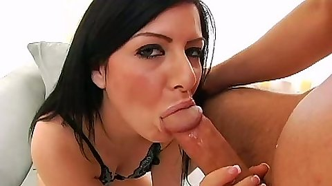 Blowjob with Taryn Thomas and a smile for it