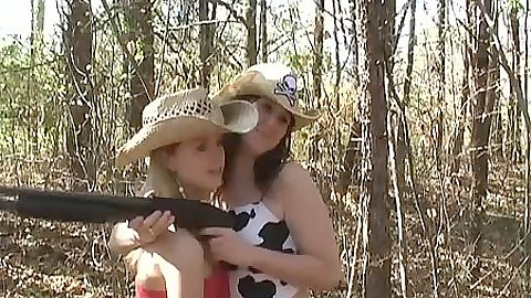 Outdoor firearm liking girls Kitty Karsen and her gf
