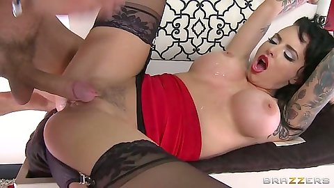 Trimmed pussy big tits Christy Mack pumped with dick