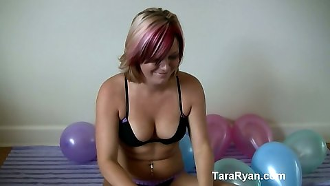 Solo bras and panties balloon play with tara Ryan