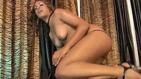 Natural tits Kaleah fucks dude