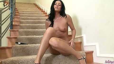 Glamcore milf India Summers close up tildoplay
