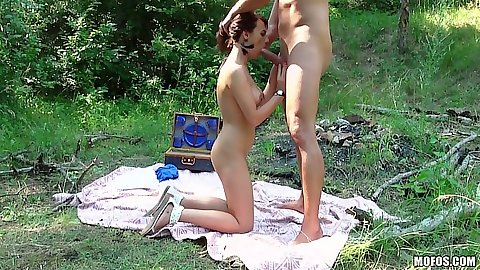 Blowjob with Hannah Sweet outdoors during picnic camping