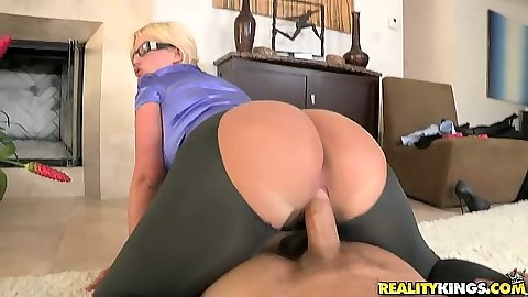 Ripped pants cfnm pov big ass milf fuck with horny as hell Julie Cash