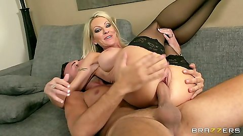 Reverse cowgirl mifl stockings sex with close up view for athletic Emma Starr