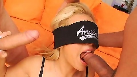 Blowjob in blind fold from Starla