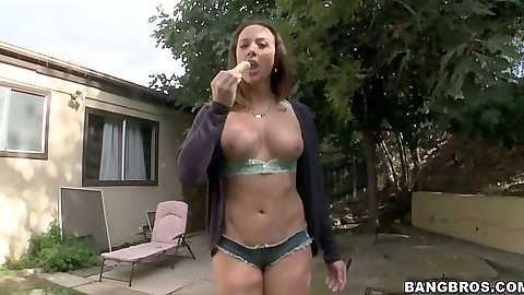 Athletic solo girl Chanel Preston solo softcore scene