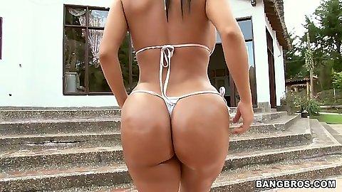 Nice oil in bikini ass Angelina posing solo and bending over