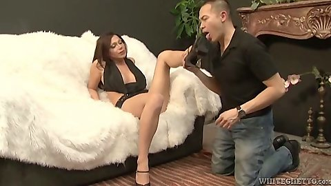 Transsexual TS Kloe gets her feet loved
