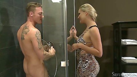 Milf Barra Brass going into the shower cabin to blowjob the dick