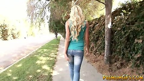 Skinny blonde Jordan Sparx shows her body