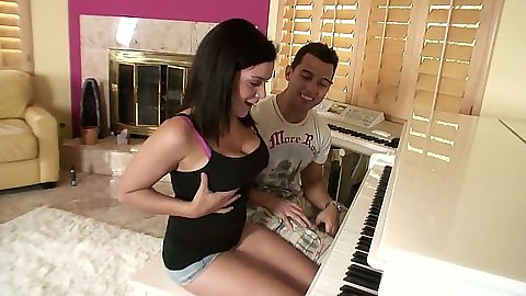 Piano lessons with Natasha Nice